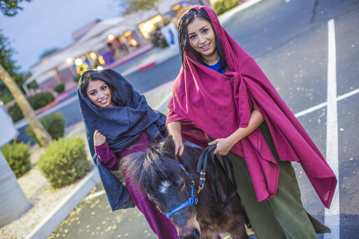 the-real-christmas-surprise-pony-rides-for-phoenix-children-during-december-event-at-calvary-chapel