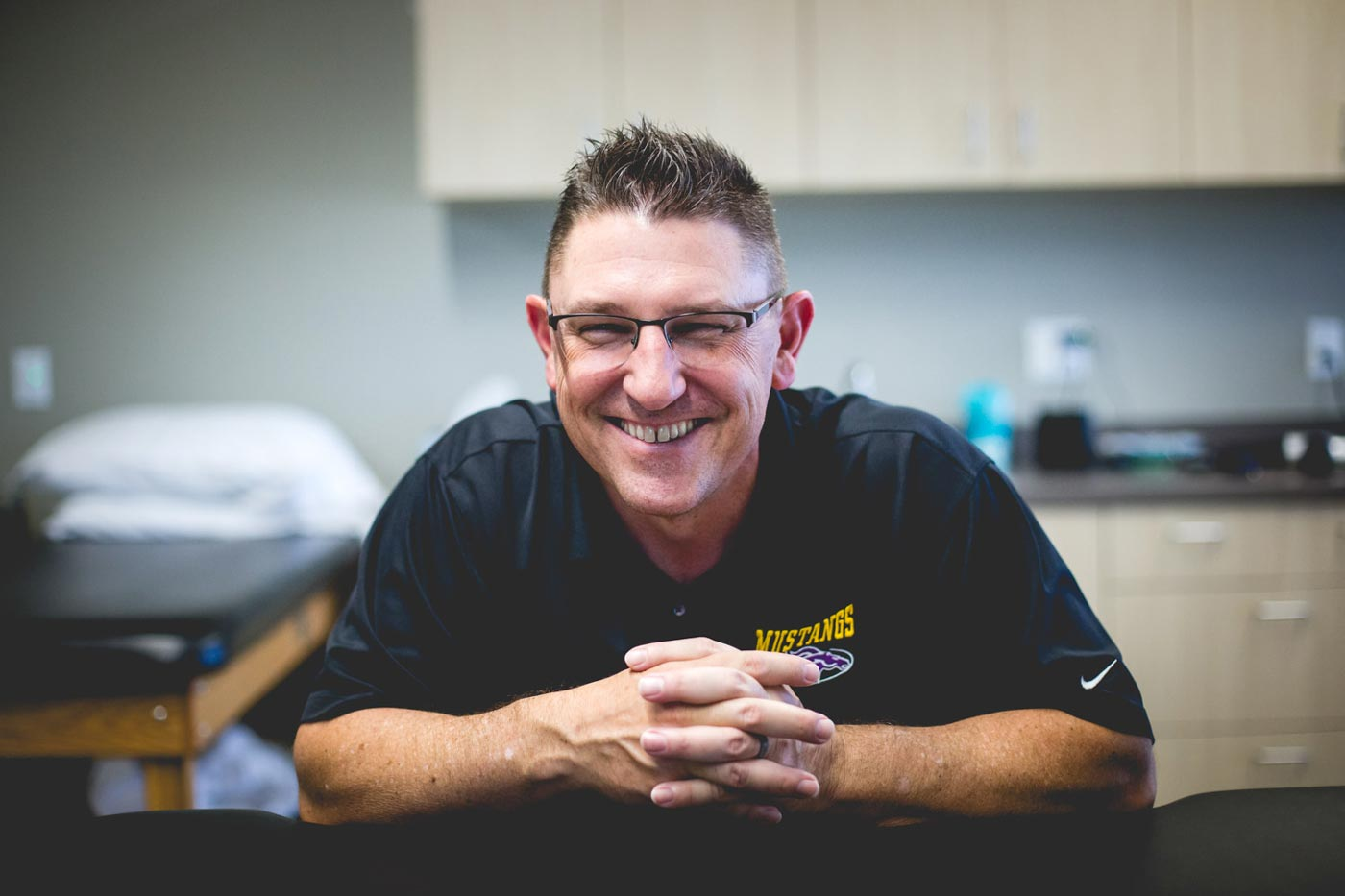 lead-physical-therapist-Mark-jagodzinski-at-rise-ortho-sports-pt-in-surprise-az-photo-by-danielle-at-prefocus-solutions